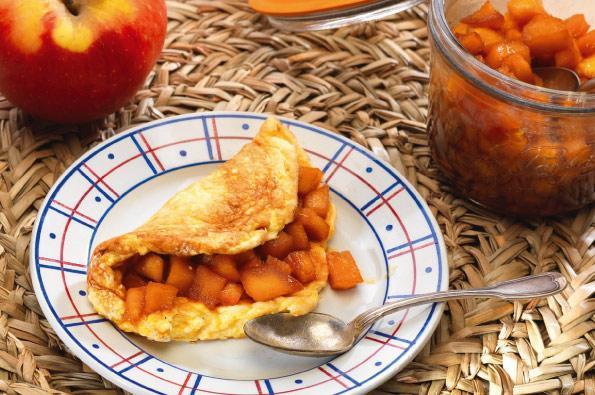Omelette sucrée aux pommes Juliet® caramélisées